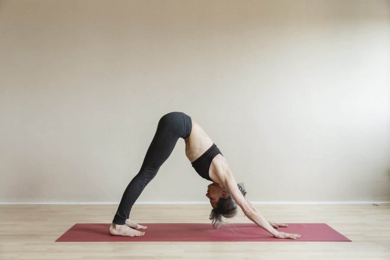 Read the Beginners Guide to Yoga | BrainMD